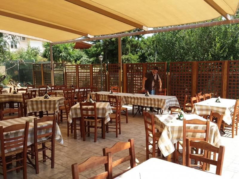 Anavyssos tavern