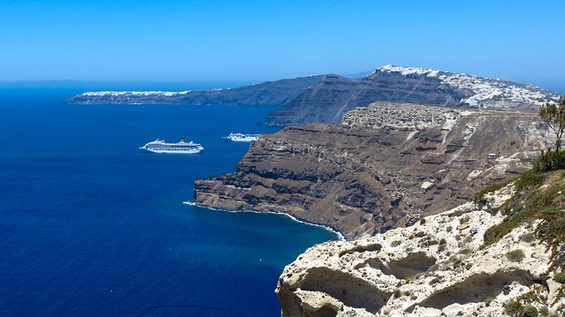 Caldera - Holidays in Santorini