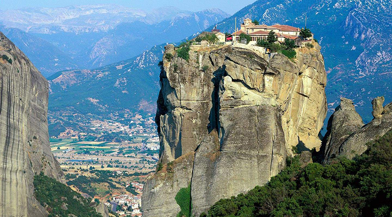 Meteora - 10 Places To See On Your Holidays In Greece