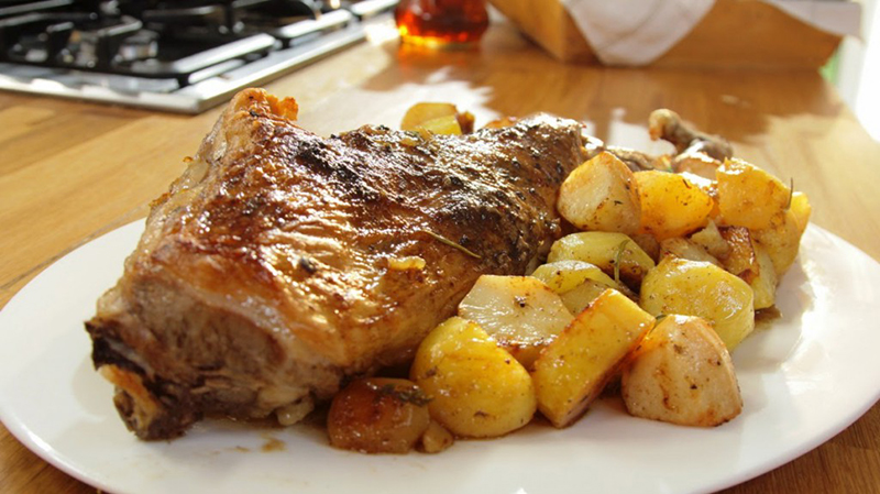 Lamb in the oven - Mediterranean cuisine