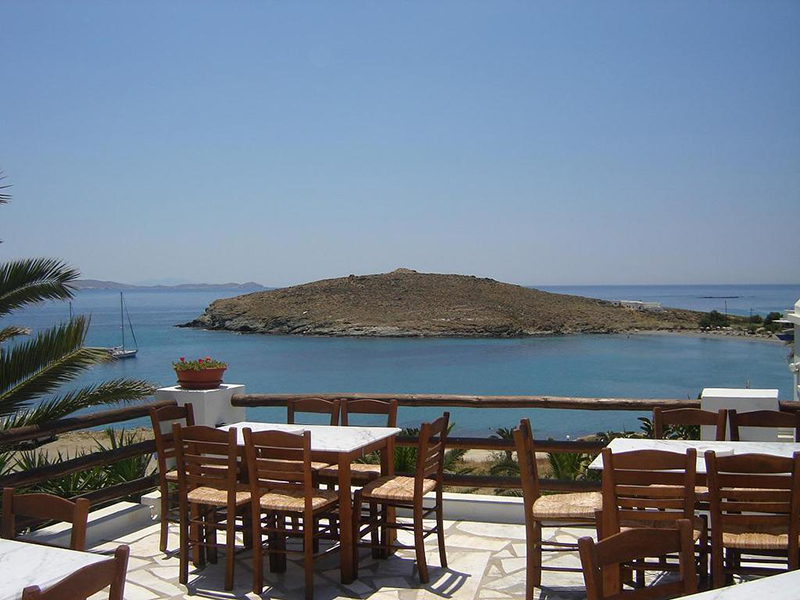 Tavern in Agios Ioannis Porto beach, Tinos