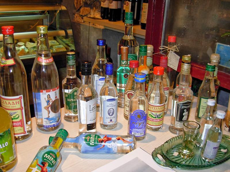 Top 3 Greek drinks - Ouzo