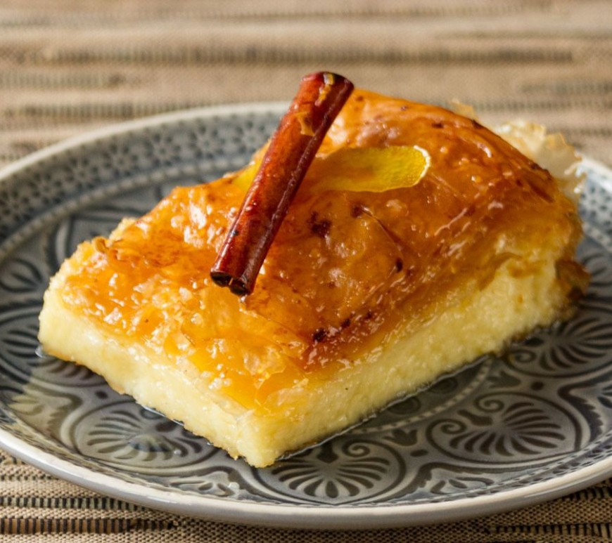Galaktompoureko - Greek desserts and sewwts you should try on your holidays